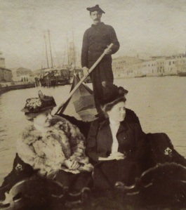 Teresa and Gioconda in a gondola in 1908