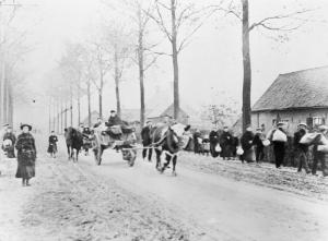 Belgian refugees leaving Ypres, 2nd November 1914.