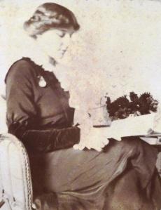 Teresa reading in 1912