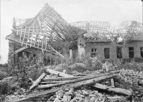 A destroyed North Midland Farm, Messines Road, May 1915.