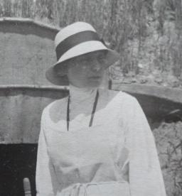 Teresa Hulton on the Italian front.