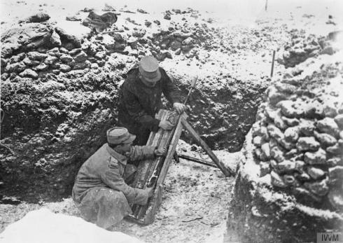 French troops firing a rifle grenade in a trench in Fort 4 Vaux, February 1916. Fort Vaux was the second fort to fall during the Battle of Verdun. © IWM (Q 49098)