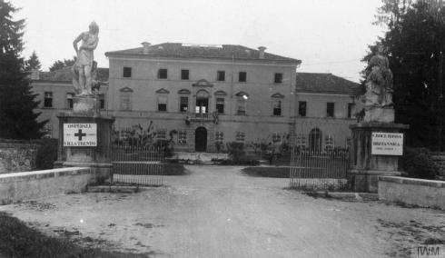 The Villa Trento hospital, near Udine, northern Italy. © IWM (Q 83686)
